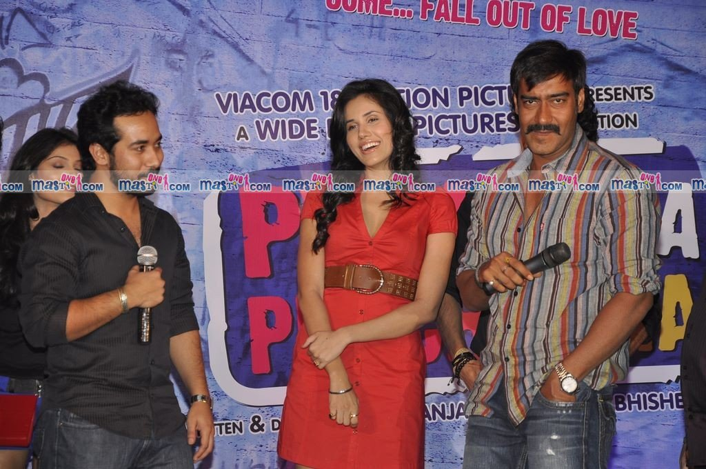 Ajay Devgan and Vishal Bhardwaj unveil Pyaar ka Punchnama Music Album