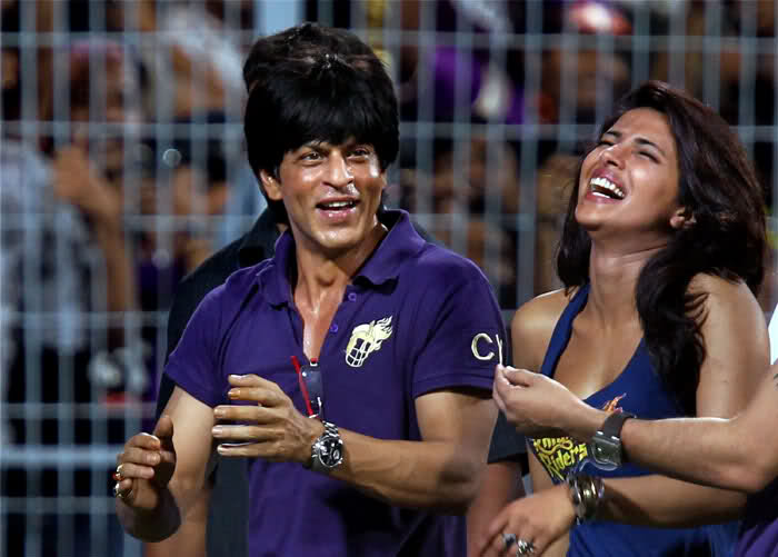 bollybreak_com_VSc3q -  Sharukh N Priyanka at IPL Match