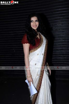 Nandana Sen - Hot Nandana Sen in Saree at Tagore Literature Awards 