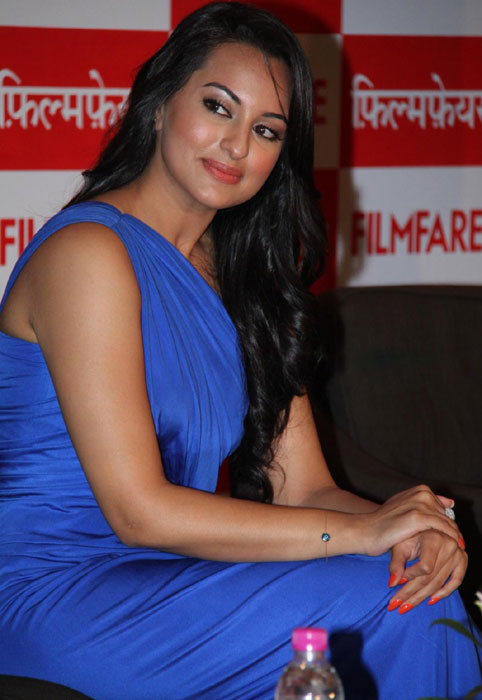 Sonakshi Sinha  -  Sonakshi Sinha Latest Stills - Watch Online and Discuss Indian TV Serials and Bollywood