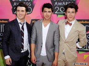 Jonas Brothers: Candids&Noticias >2 [CLOSED] - Página 6 Jonas.art.gettyimages