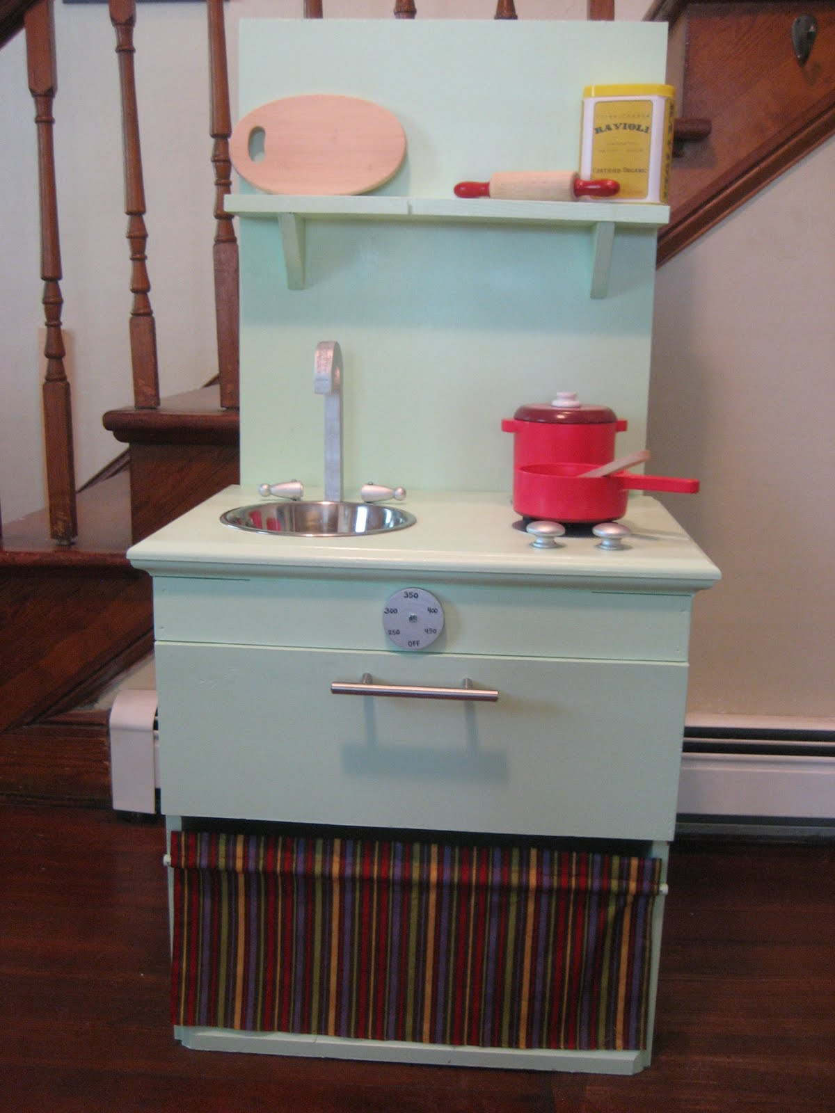 Pie Birds, Buttons and Muddy Puddles: DIY Play Kitchen from Night