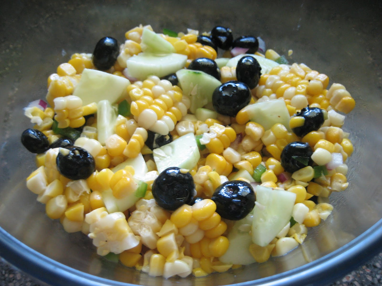 Pie Birds, Buttons and Muddy Puddles: Corn & Blueberry Summer Salad