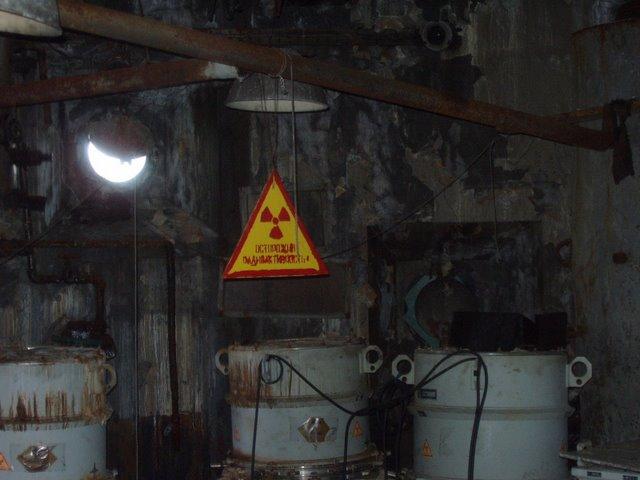 Para Penjarah Mengabaikan Bahaya Pencemaran Radioaktif