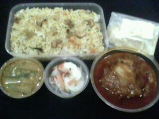 Nasi Beriyani + Ayam Masak Merah + Dalca + Jelatah/Acar + Papadom
