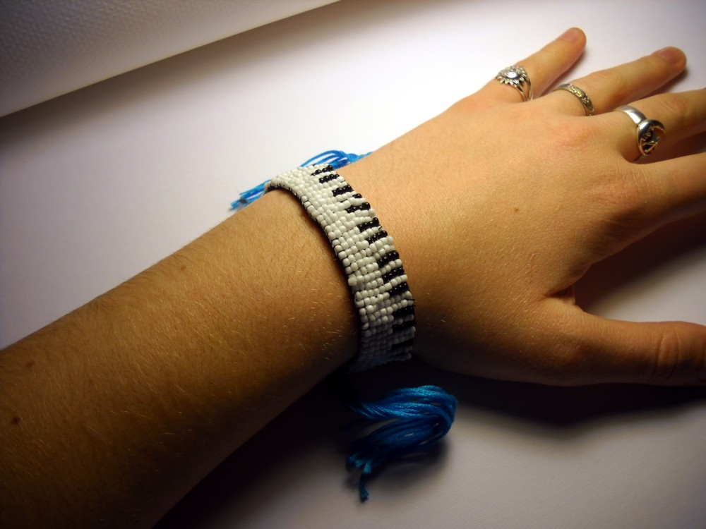 Loom Patterns for Bracelets using delica beads