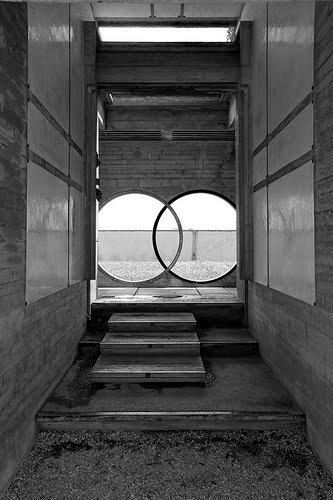 Brion vega cemetery you have been here sometime for Carlo scarpa tomba