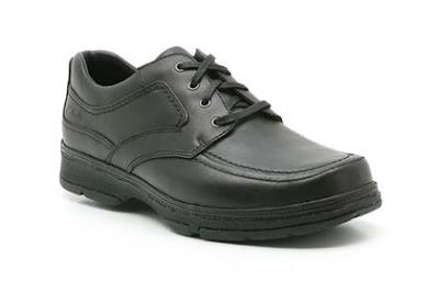 Giày màu đen