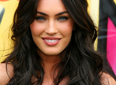 MEGAN FOX : ACCTRESS HOT
