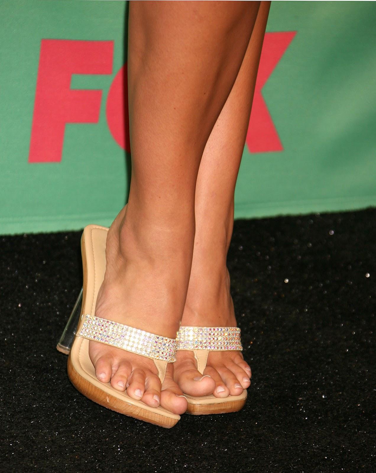 http://3.bp.blogspot.com/_WQmMWS-djIs/TO7jy1c3CkI/AAAAAAAANqc/3Pg4nYHgrC0/s1600/Brooke-Hogan-Feet-146231.jpg