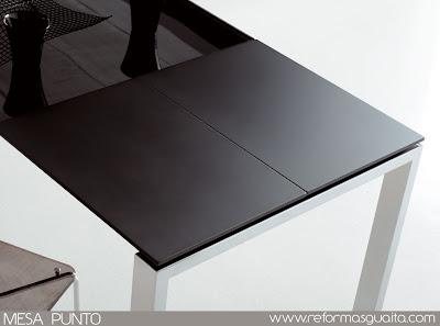 Mesa de cocina con cristal negro