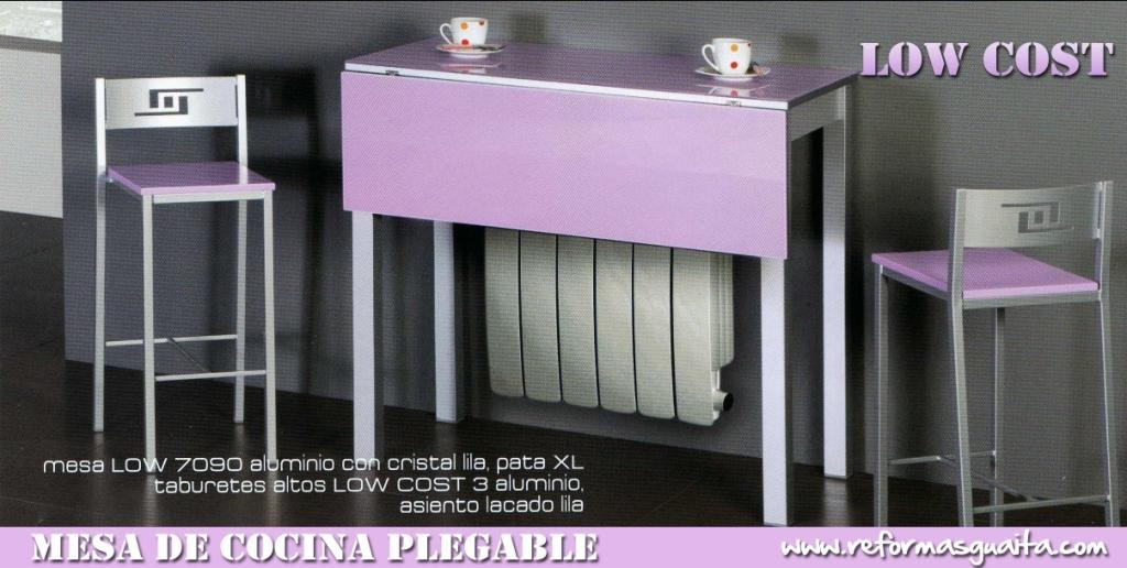 Mesa plegable low cost en cristal reformas guaita for Mesa abatible pared cocina