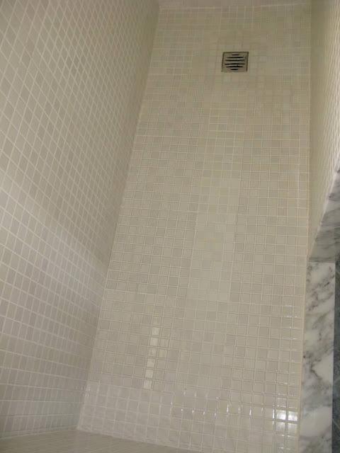 Cambiar la ba era por una ducha reformas guaita - Suelos para duchas de obra ...