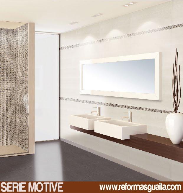 Azulejos Baño Blanco:+motive+azulejos+baño+ambiente+ducha+con+mosaico+y+baño+en+blanco