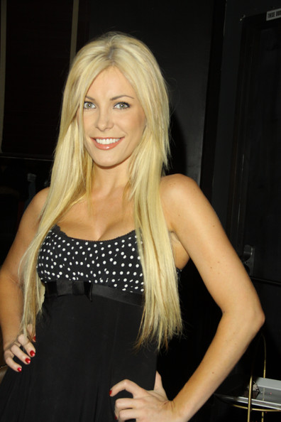 Crystal Harris Makes