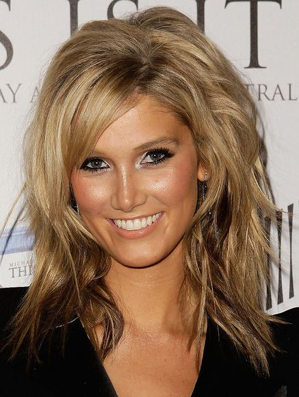 medium hairstyles for thin hair. short hair styles 2011 for