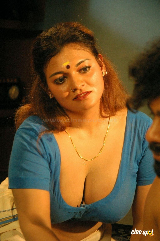 Hot Thappu Tamil Movie