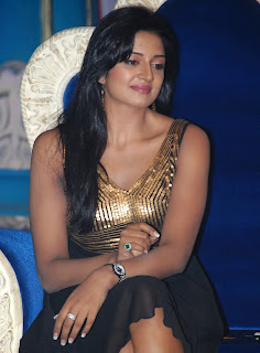Vimala Raman in Black Long Skirt, Vimala at a Shooting Set