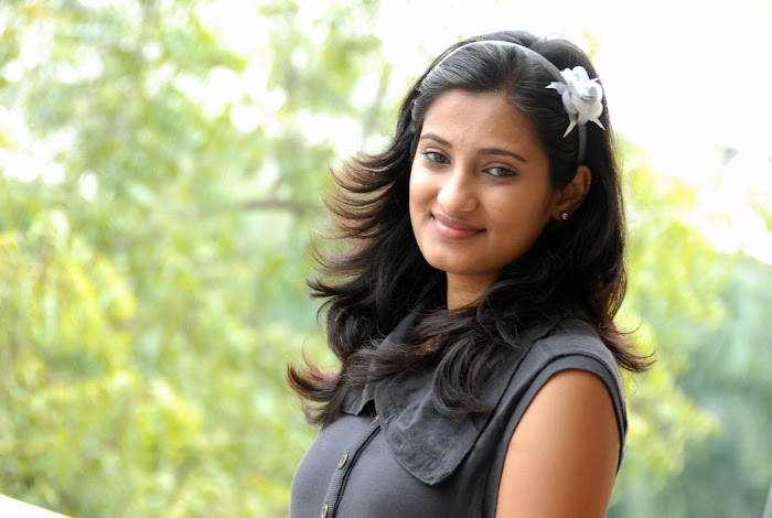 sowmya shoot hot images