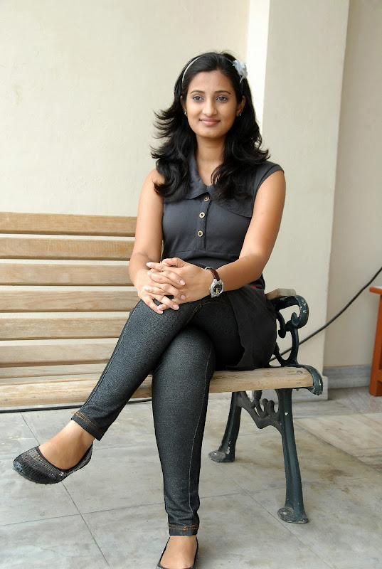 Actress Sowmya Photo Shoot Stills hot images