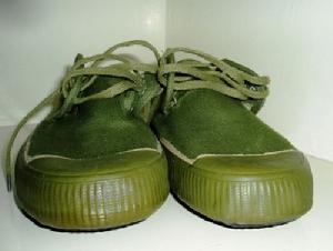(原创)鞋子·爸爸之2:解放鞋,海陆空与中筒水鞋 - 六一儿童 - 译海拾蚌