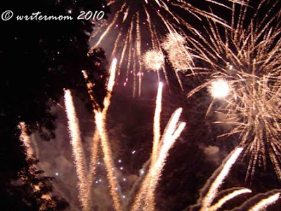 Grand Finals of EK's 1st Asian Sky Wizardry Fireworks Competition (Oct. 23)