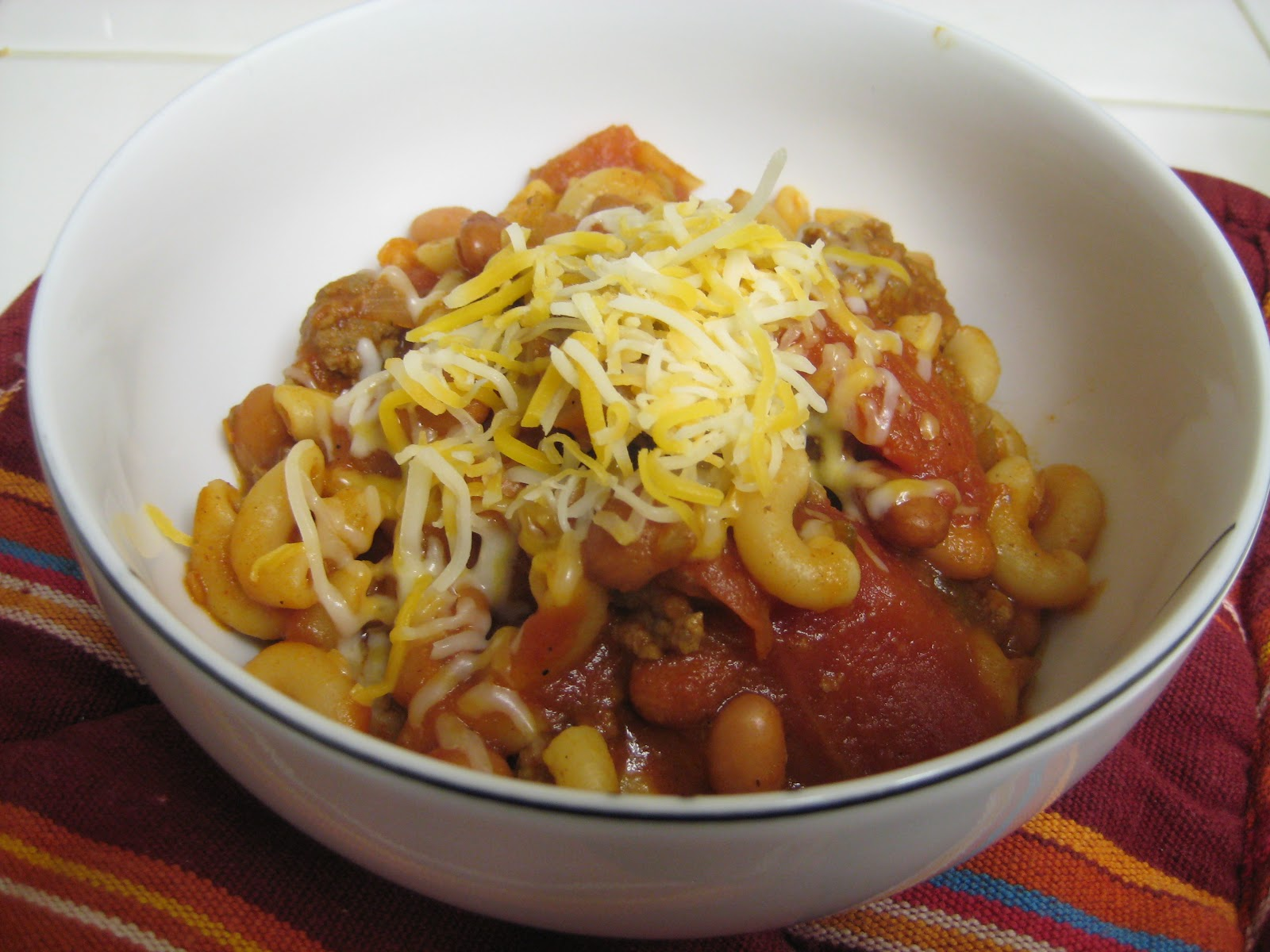 The Foodista Chronicles: Cheesy Chili-Mac