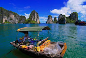 Earning a living on water in Halong Bay