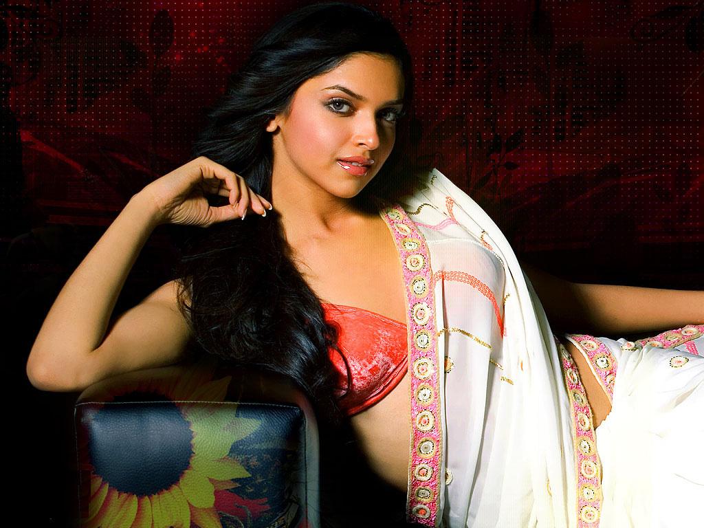 Deepika Padukone Smiling Face
