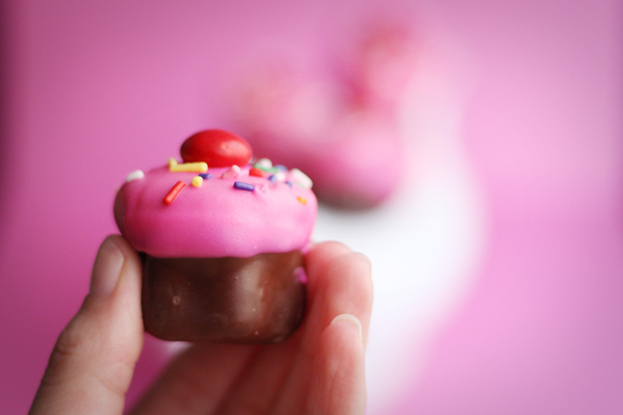 love and butter: valentine cupcake bites