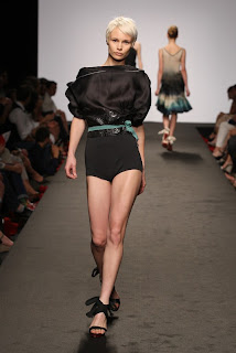 BRAGIA+SS2011+ +2 WHO IS ON NEXT