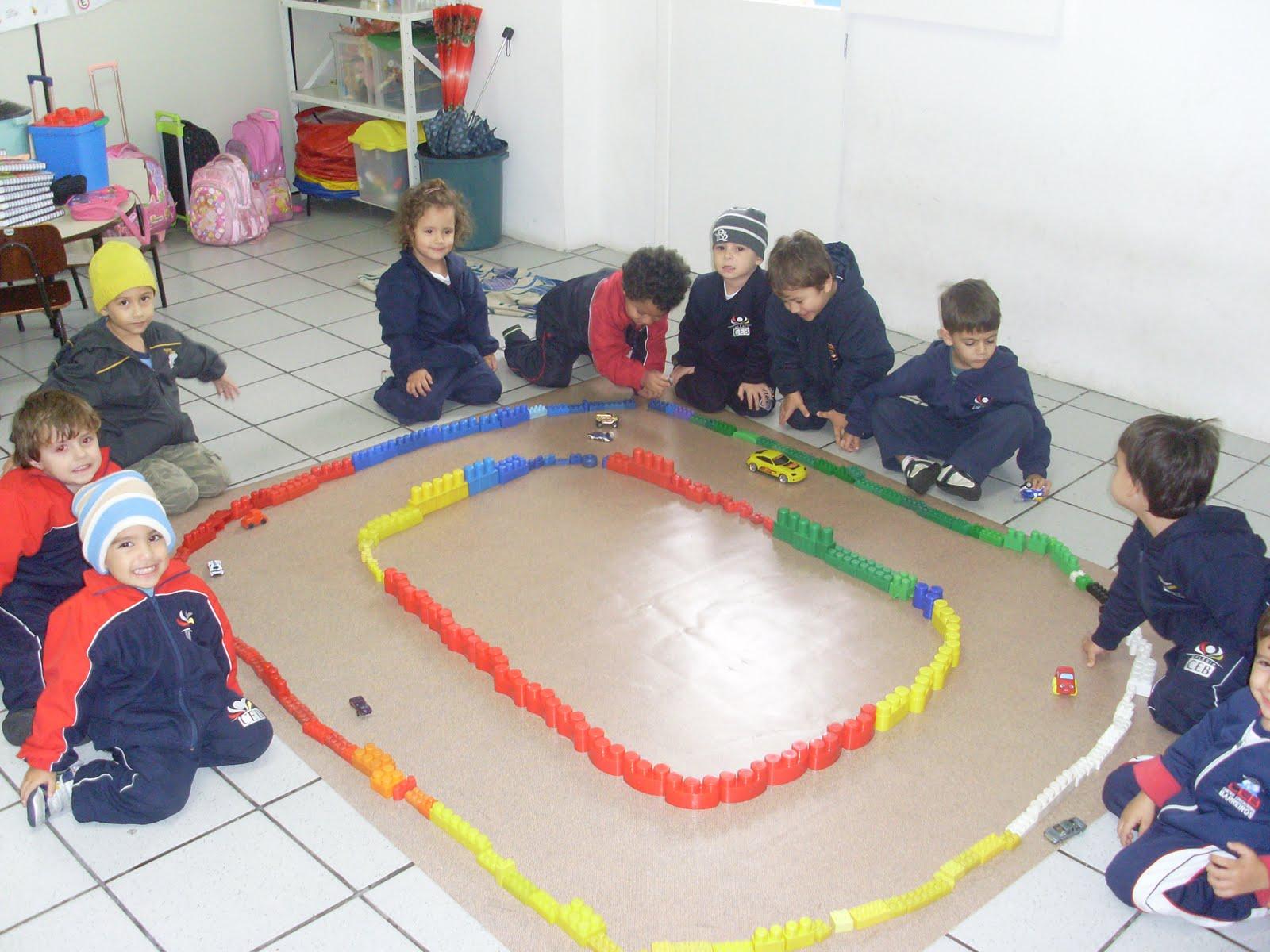 Col gio ceb educa o infantil projeto tr nsito n vel for Mural sobre o transito