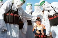 Hamás y niño palestino