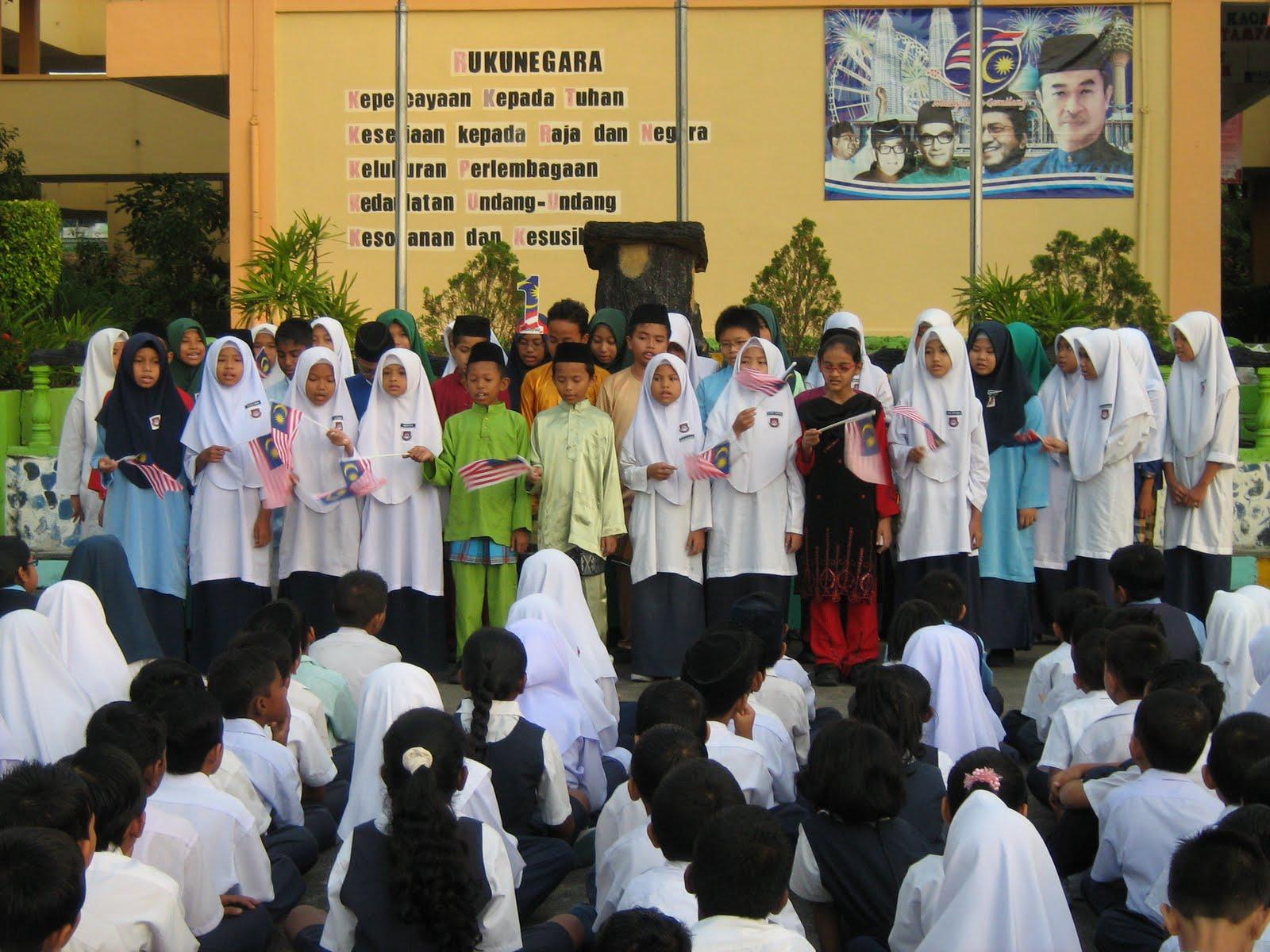 karangan sambutan hari kemerdekaan dalam bahasa malaysia Jelaslah adab menghormati guru merupakan elemen penting dalam memupuk budi bahasa dan adab meraikan sambutan hari guru karangan bahasa melayu.