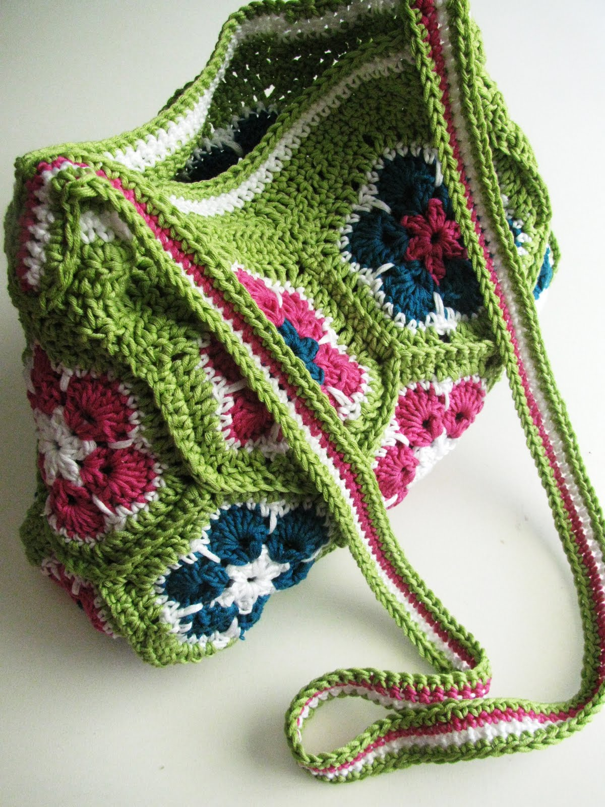 Crochet pouch pattern free dancox for african flower bag finished crochet pouch pattern free bankloansurffo Image collections