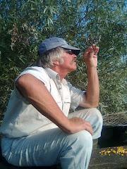 Carlo quando il sole gli ferisce nel viso:))