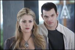 Emmett Cullen y Rosalie Hale