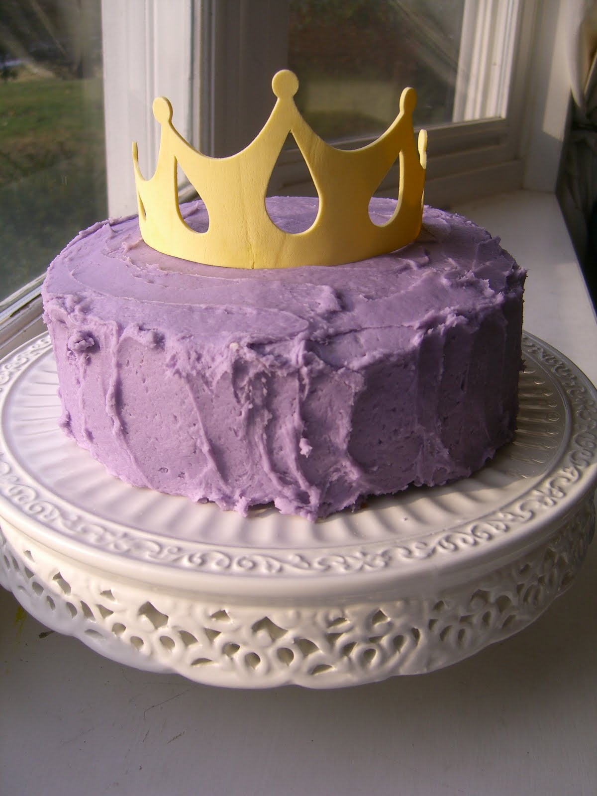 Cake With Crown On It : Crown Cake
