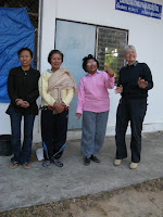 Pa Ao Weaving Group staff and Alleson