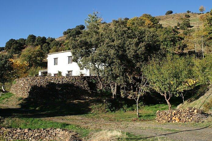 Blue skies and high temperatures the first of November 2009 - foto: casa rural El Paraje