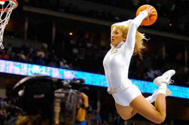 oboi-golie-basketbolistki