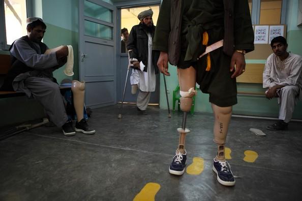 [Landmine+Victims+Receive+Tretment+ICRC+Rehabilitation+eMrdZJT__RUl.jpg]
