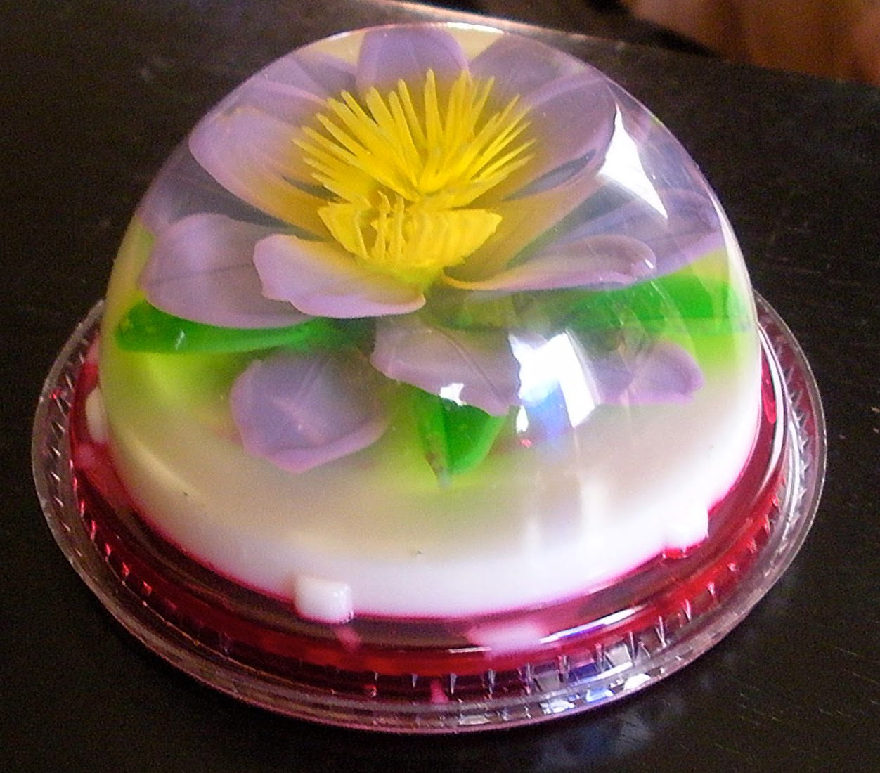 Jello Art Flowers http://bansheemoni.blogspot.com/2010/11/thanksgiving-2010.html