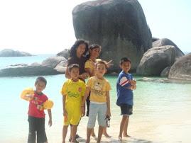 Ika, Dewi, Hendra, Hussein, Agal & Malik in Action