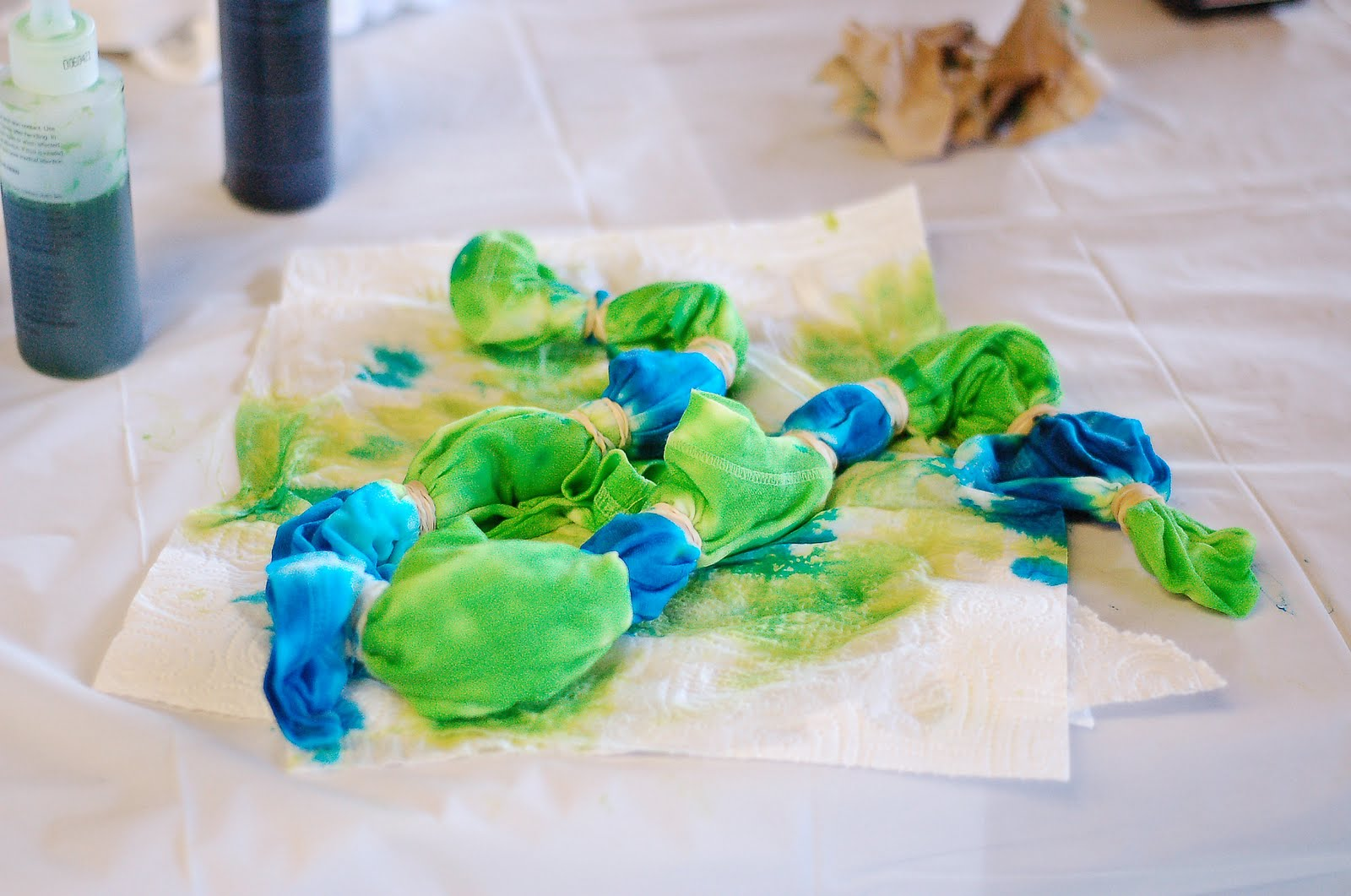 Frankly Speaking Too: iLoveToCreate: Tie-Dye techniques class