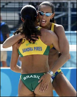 http://3.bp.blogspot.com/_WnKhra7YLkM/Sest_wCujwI/AAAAAAAABGo/aFcYGUyda_0/s400/beach_college_volleyball_29.jpg