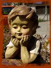 Petit garçon du jardin
