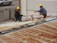 Kerja-Kerja Mengecat Bumbung di TM (PJC)