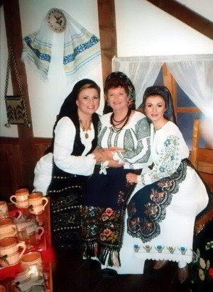 cu Nicoleta si Andreea Voica