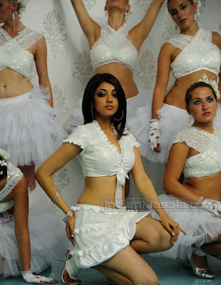 Kajal Agarwal Looks Hot in Telugu Film Om Shanti